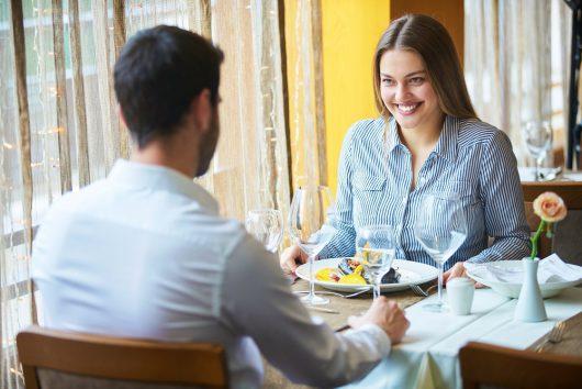 食事デートで見極める!?脈ありのサインとは!|最良のパートナー選びのための恋愛術